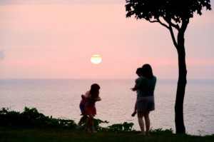 中庭からの夕日 (2)