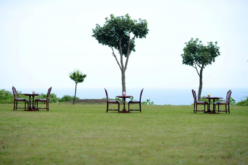 2.ガーデン朝食のお席